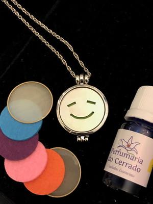 Perfume aromatizador 10 ml com Colar difusor de aroma Sorria