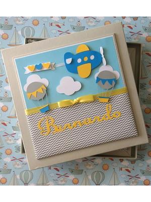 Livro Do Bebê Com Caixa avião e balões menino