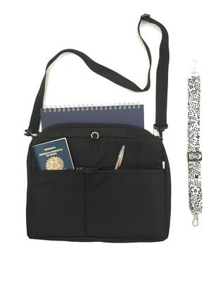bolsa retangular com dois bolsos e duas alças reguláveis *
