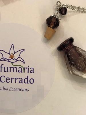 Colar Perfumeiro em vidro Losango com perfume 10 ml