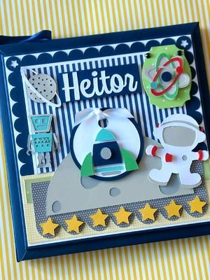 Livro bebê personalizado menino astronauta cores vivas scrap