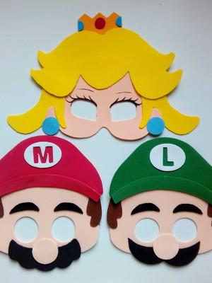 Mascaras Super Mario Bros de EVA
