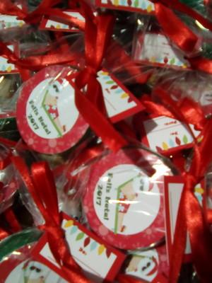 Latinha mint to be com mini terço Natal