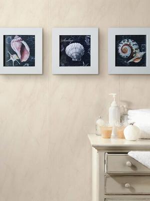 Trio de Quadros Brancos de Conchas com Moldura e Vidro