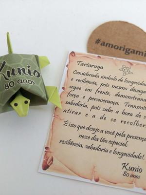 Imã de Tartaruga com pergaminho {Aniversário}