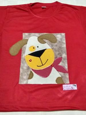Camiseta Infantil em patchapliquê - Cãozinho