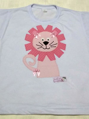Camiseta Infantil em patchapliquê - Leãozinho