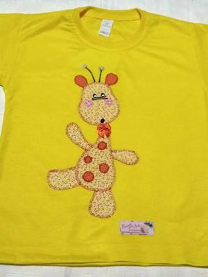 Camiseta Infantil em patchapliquê - Girafinha