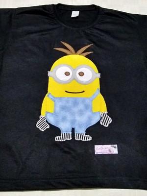 Camiseta Infantil em patchapliquê -Minion