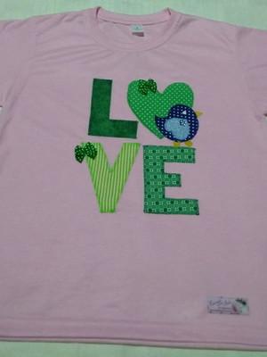 Camiseta Infantil em patchapliquê -LOVE