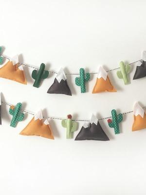 Varal de Montanhas e Cactus