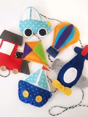 Varal de Meios de Transporte Montessori
