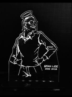 Luminária LED Stan Lee