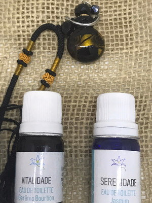 Conjunto aromaterapia 1 colar AromatIzador + 2 perfumes