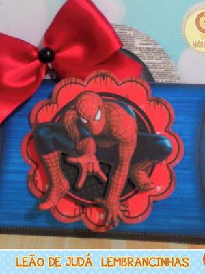 Caixinha Travesseiro tema Homem Aranha