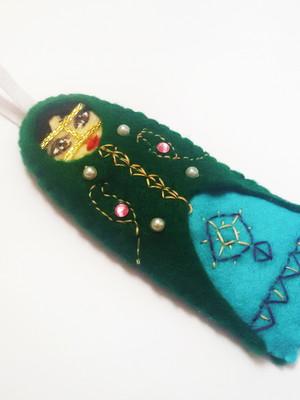 Marca páginas boneca iraniana -verde e turquesa