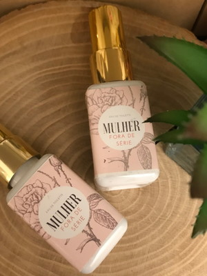 Eau de Toilette Perfume Rosas 45ml - Fora de Série