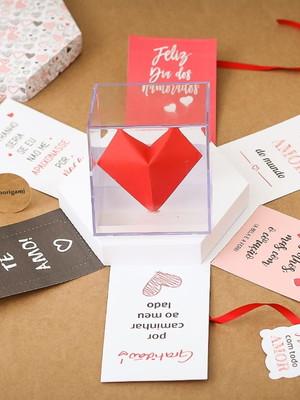 Caixa Explosiva com coração no cubo- Dia dos Namorados