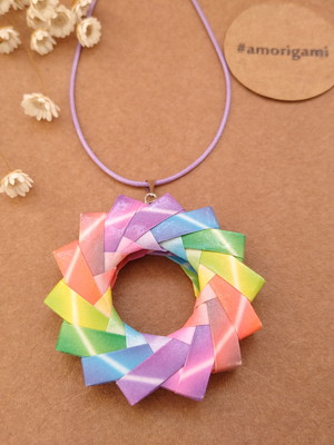 {Pronta entrega} Colar de origami - Mandala