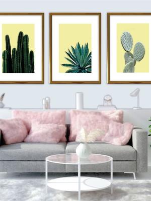 Conjunto com 3 Quadros Cactus, Moldura Dourada e Vidro