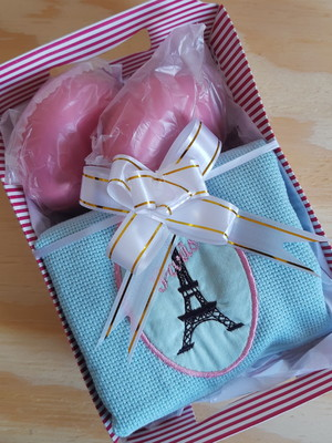 Kit de Presente Toalha Paris + Sabonete