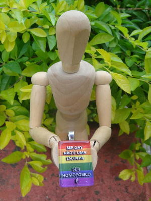 Colar com Pingente Homofobia Não