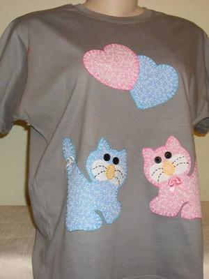 Camiseta Baby Look -Gatinhos apaixonados