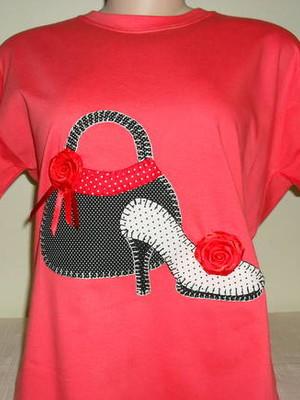 Camiseta Baby Look - Bolsa e sapato