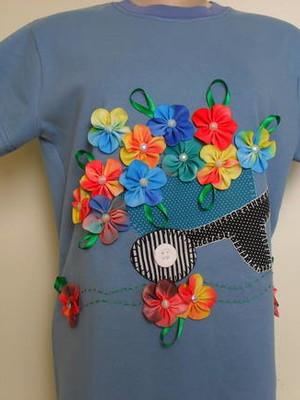 Camiseta - Carrinho com flores