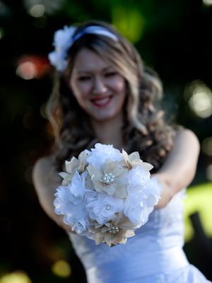 Bouquet Broche e flores vintage retrô