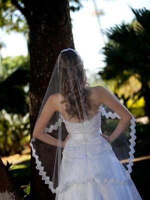 Véu noiva mantilha bordada 1,15 x 1,0 m