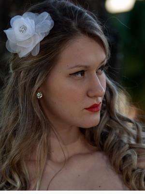 grinalda flor cabelo noiva strass