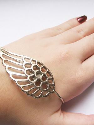 Pulseira de mão Angel