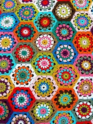Almofada Hexágonos em crochet