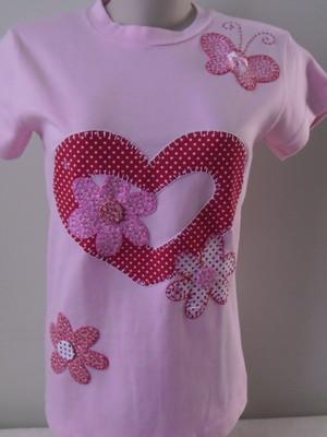 Camiseta - Coração e flores