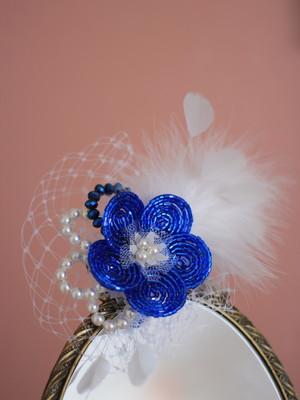 Fascinator Flor Pedrarias Penas Azul