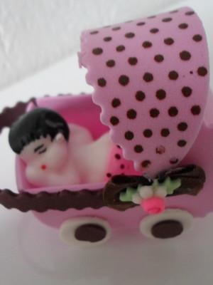 Carrinho de poá com bebê de sabonete