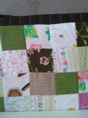 Bolsinha a tiracolo em patchwork