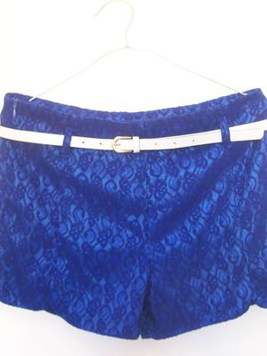 Short Renda Azul Modelagem Cinto
