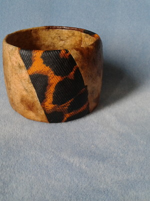Bracelete falso couro ecológico