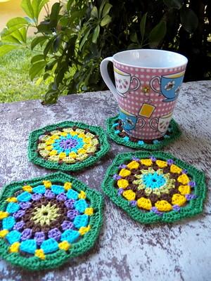 Porta copos em Hexágonos Multicoloridos