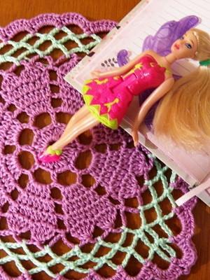 Toalhinha em crochet Corações