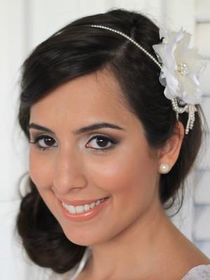 Tiara Pérolas Flor Seda - Off-White
