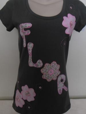 Camiseta - Palavra flor