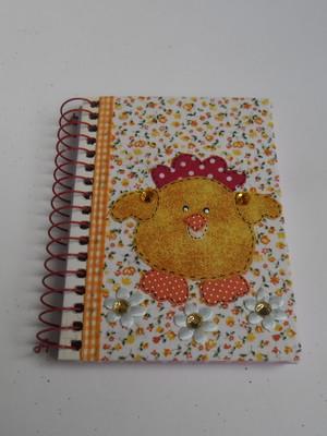Caderneta decorada : Pintinho amarelinho