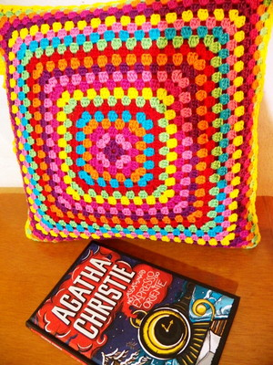 Almofada de Granny Squares Coloridos