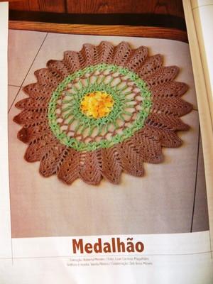 Tapete em Barbante Medalhão Floral
