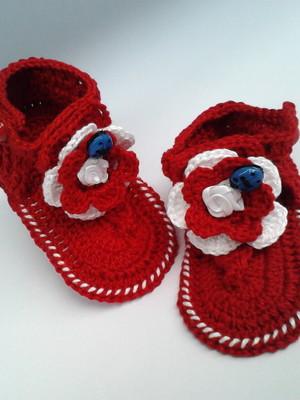 A192 Sandalinha croche vermelha menina