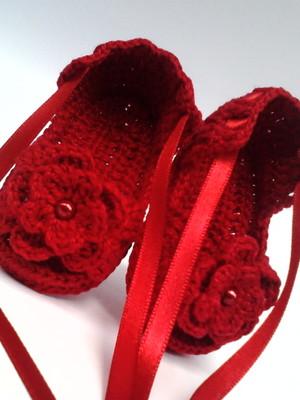 A134 Sandalinha croche vermelha menina