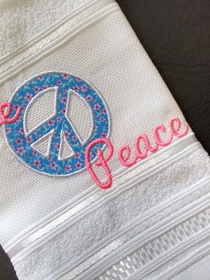 Toalha de Lavabo - Love and Peace